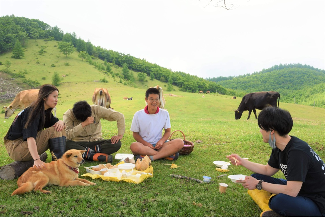 なかほら牧場 山で昼食